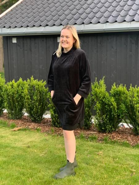 Bilde av Blue Konstanz Dress Black