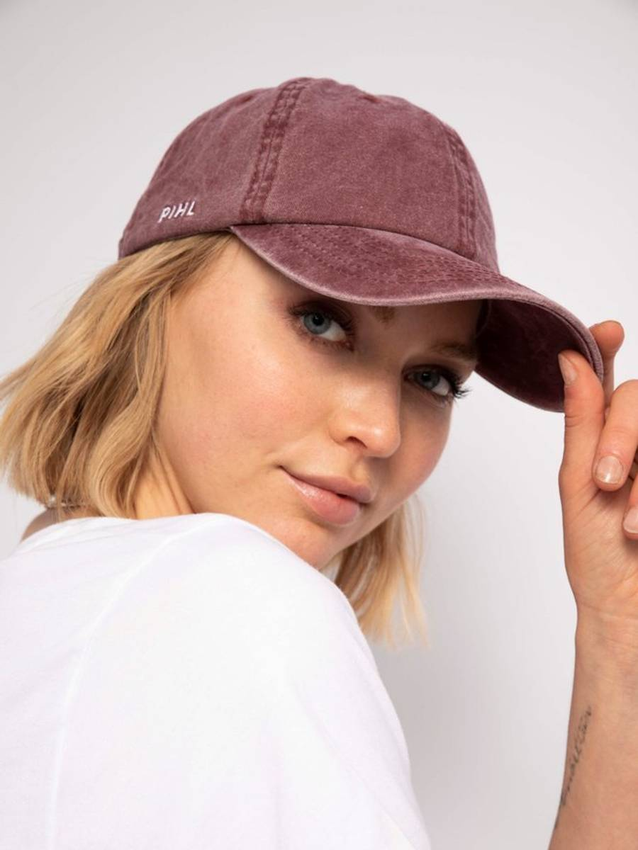 Camilla Pihl Lily Cap Washed Bordeaux